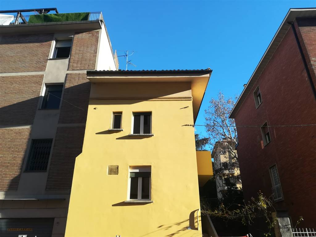 Bilocale in Via San Mamolo 60, Colli,castiglione,san Mamolo, Bologna