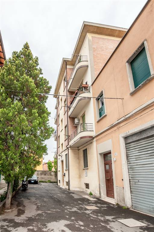 Trilocale in Via Passarotti 13, Bolognina, Bologna