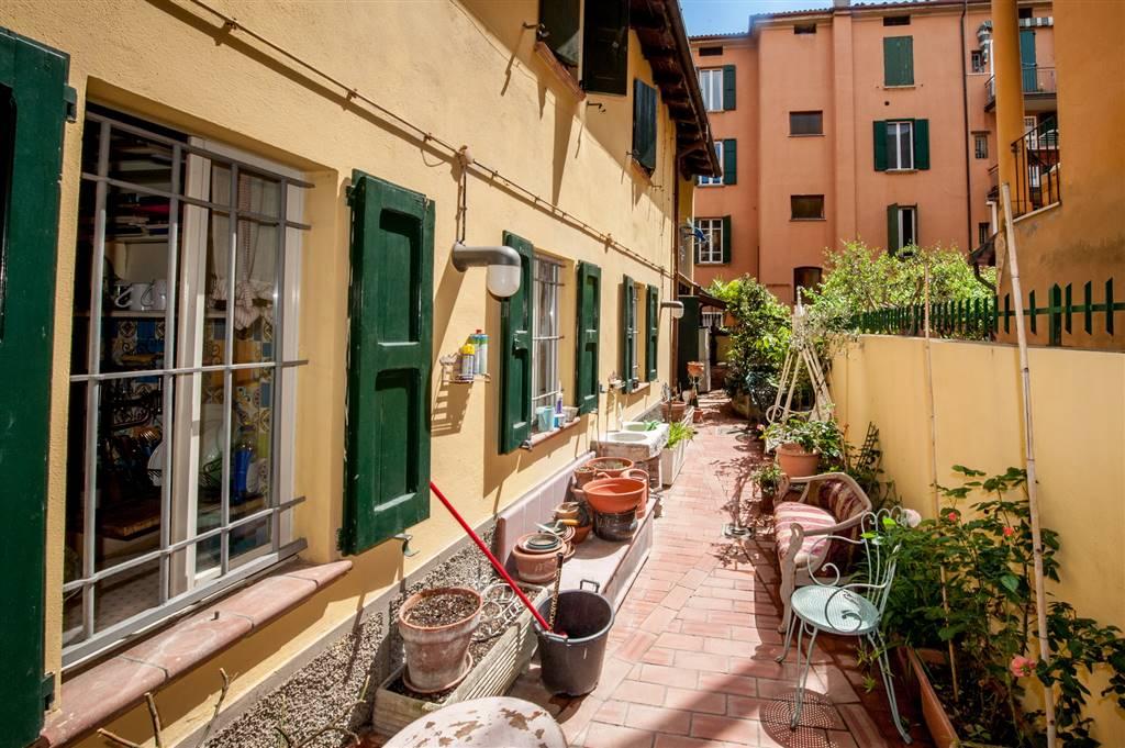 Appartamento in Via Savenella 8, Galvani, Bologna