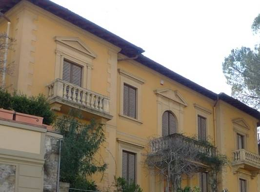 CURE, FIRENZE, Apartment for sale of 160 Sq. mt., Restored, Heating Individual heating system, placed at 1° on 1, composed by: 6 Rooms, Separate