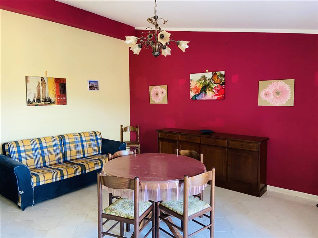 CAMPOFELICE DI ROCCELLA, Apartment for rent of 65 Sq. mt., Restored, Heating Non-existent, Energetic class: G, placed at 3°, composed by: 3 Rooms,