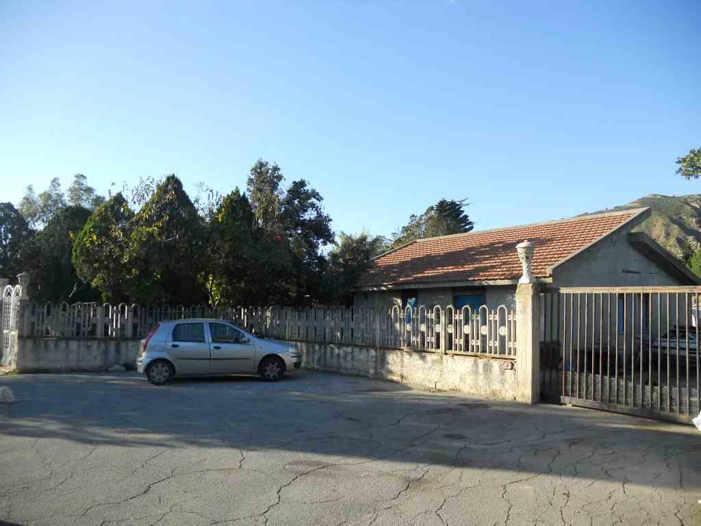 Villa, Lascari, da ristrutturare