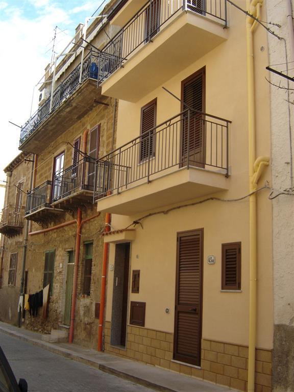 Appartamento in vendita a Campofelice di Roccella, 2 locali, prezzo € 49.000   CambioCasa.it
