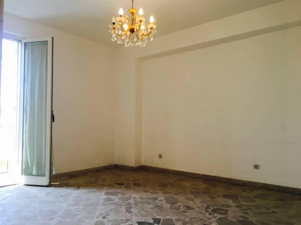 Appartamento in Piazzetta Roma, Campofelice Di Roccella