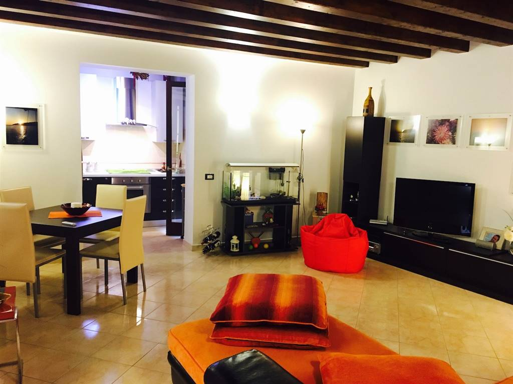 CALATAFIMI BASSA, PALERMO, Apartment for rent of 65 Sq. mt., Excellent Condition, Heating Individual heating system, Energetic class: G, placed at