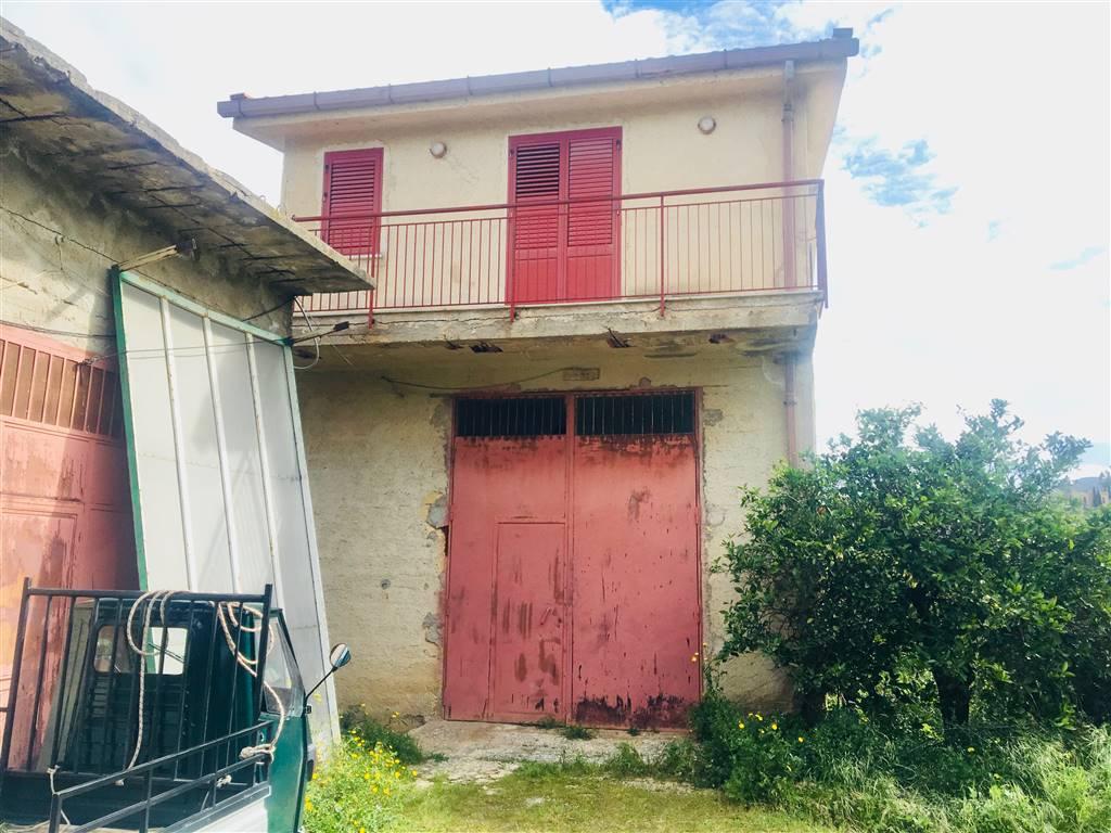 Villa in vendita a Campofelice di Roccella, 4 locali, prezzo € 135.000   CambioCasa.it