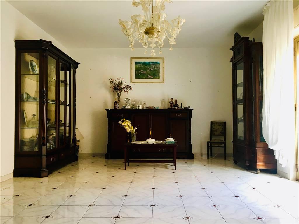 Appartamento in vendita a Campofelice di Roccella, 4 locali, prezzo € 135.000   CambioCasa.it