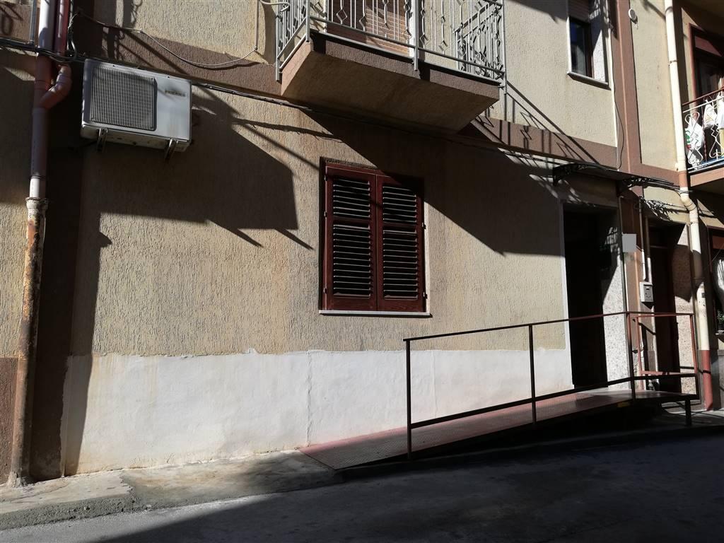Appartamento in vendita a Campofelice di Roccella, 3 locali, prezzo € 78.000   CambioCasa.it