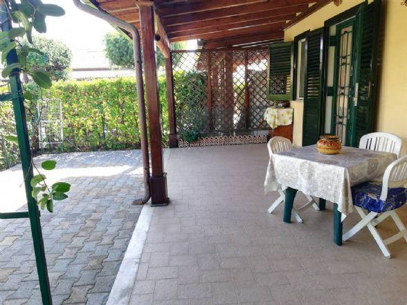 Villa, Campofelice Di Roccella, seminuova