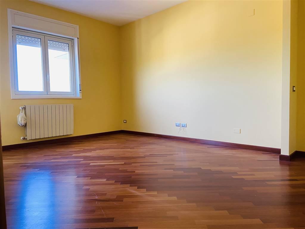 TERMINI IMERESE, Appartamento in affitto di 85 Mq, Ottime condizioni, Riscaldamento Autonomo, Classe energetica: G, posto al piano 2° su 7, composto