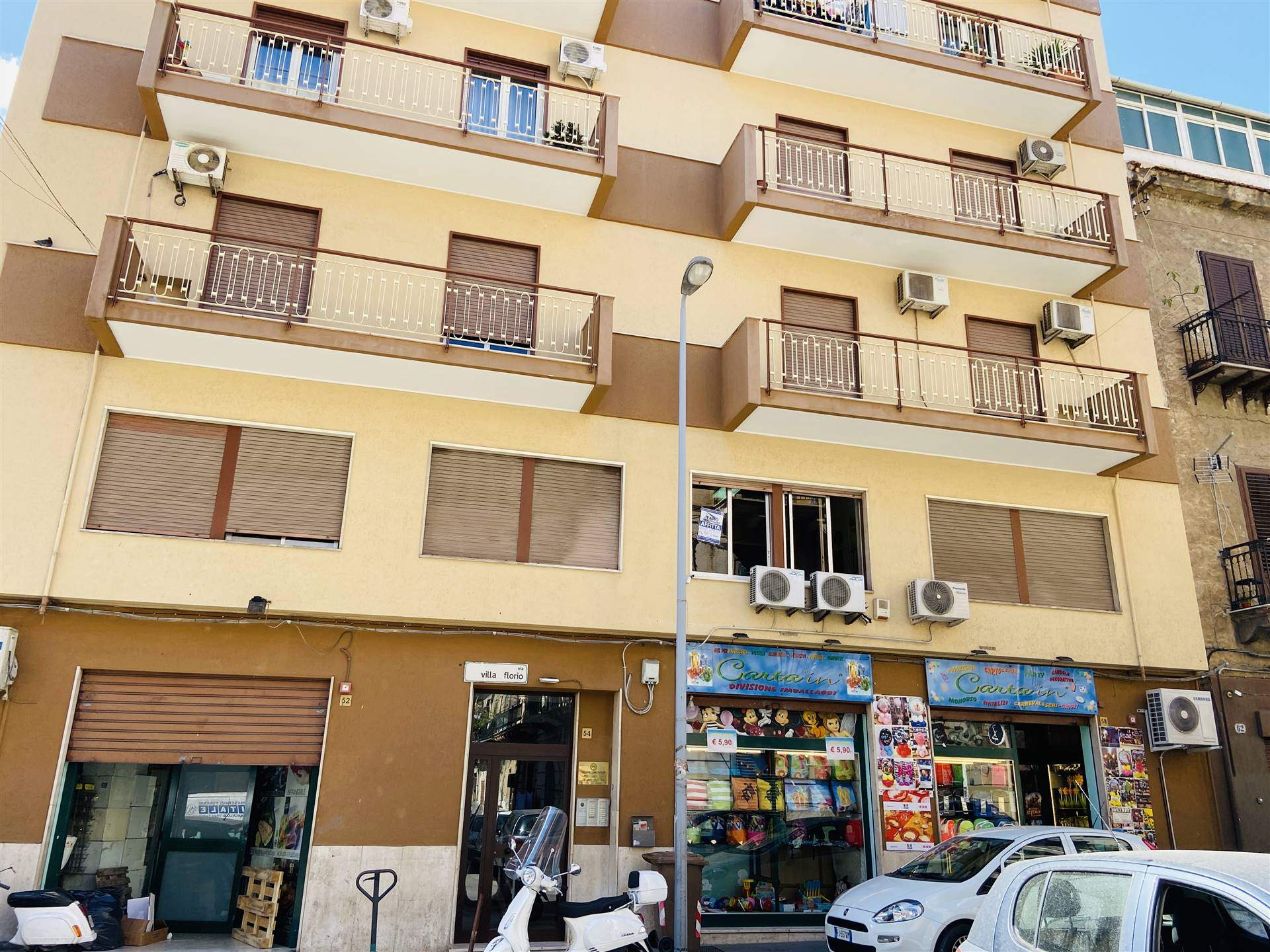 DANTE, PALERMO, Office for rent of 98 Sq. mt., Habitable, Heating Non-existent, Energetic class: G, placed at Raised, composed by: 4 Rooms, 1