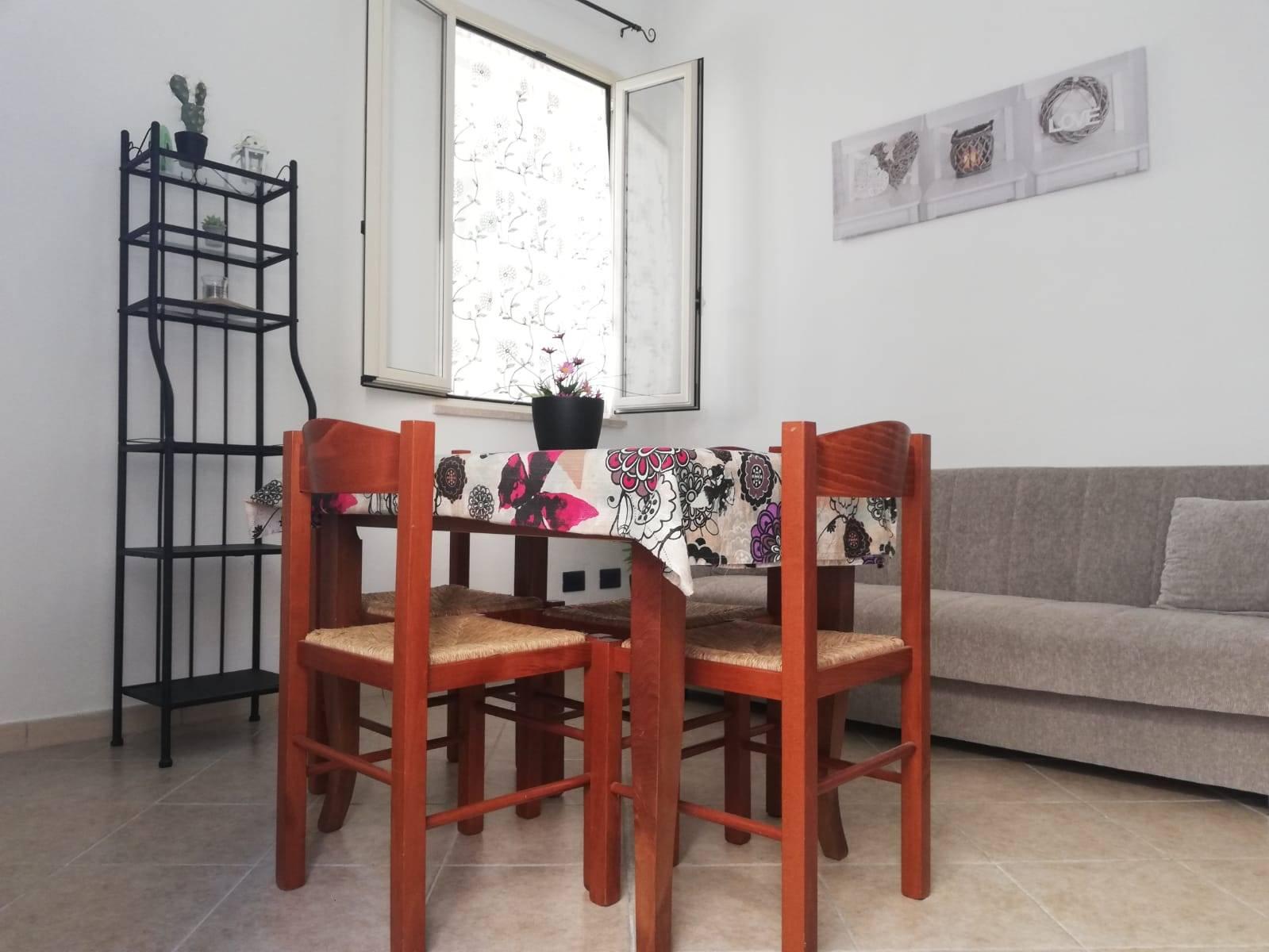 CAMPOFELICE DI ROCCELLA, Appartamento indipendente in affitto di 45 Mq, Ristrutturato, Riscaldamento Inesistente, Classe energetica: G, Epi: 175