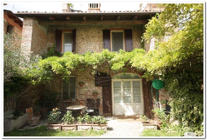 Casa singola, Casalnoceto, ristrutturata