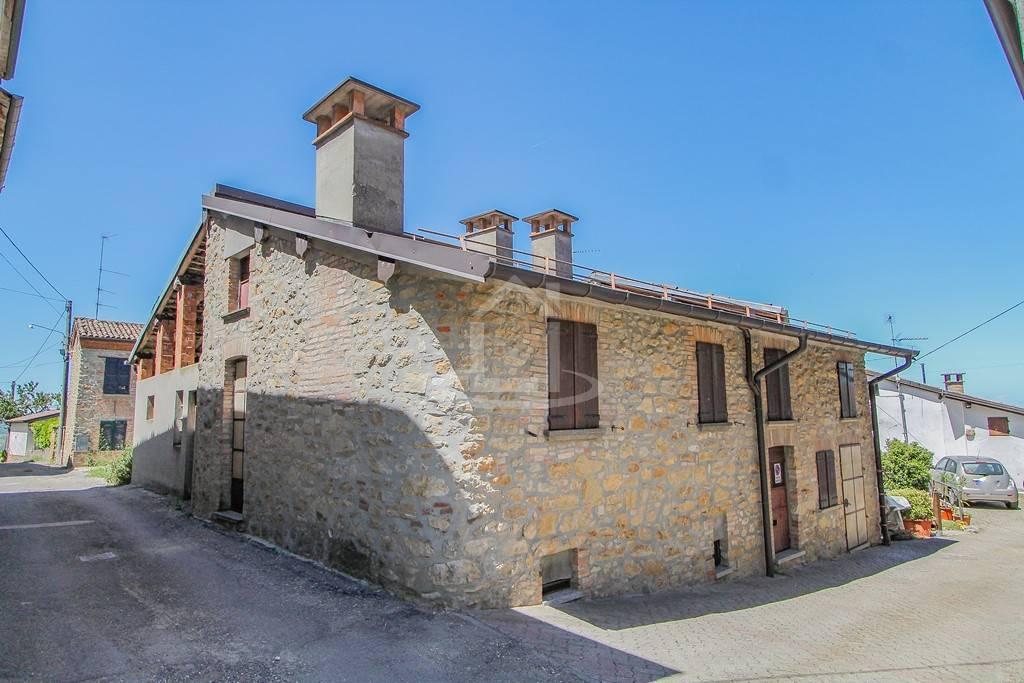 Casa semi indipendente in Serra Del Monte, Brignano-frascata