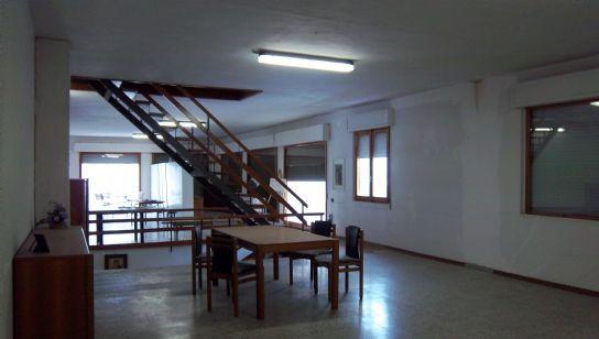 Immobile Commerciale in vendita a San Godenzo, 6 locali, prezzo € 240.000   CambioCasa.it