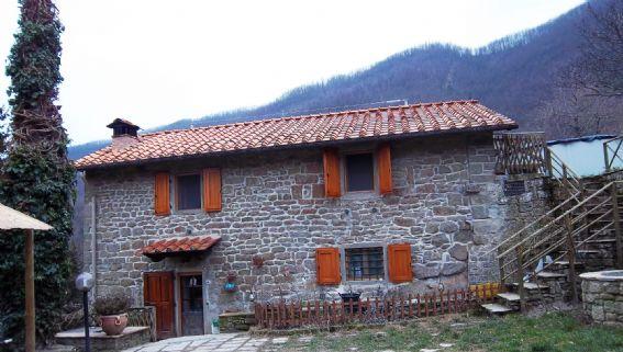 Case coloniche a rufina in vendita e affitto - Case in vendita firenze giardino ...
