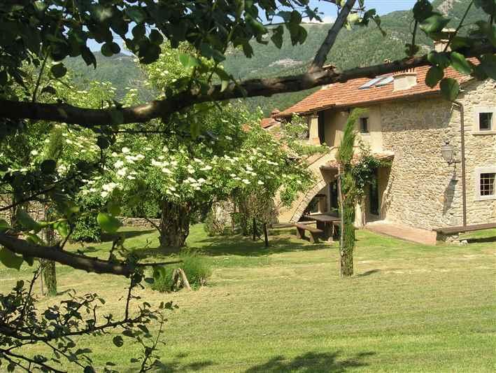 Soluzione Indipendente in affitto a San Godenzo, 4 locali, Trattative riservate   CambioCasa.it
