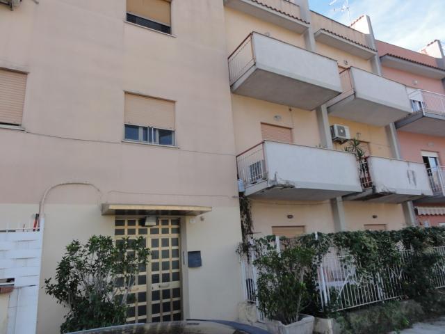 Trilocale, Partanna, Palermo, da ristrutturare