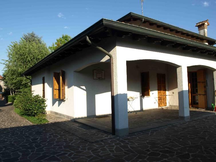 Villa in Via Mascagni, Ponte, Gattatico