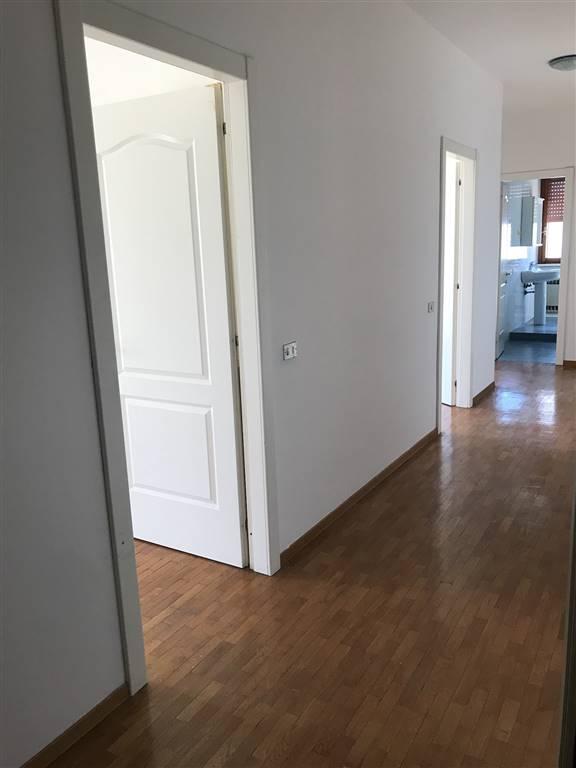 Appartamento in Via Roma, Sant'ilario D'enza