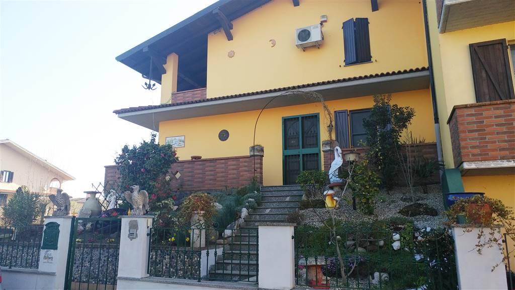 Villa, Mede, in ottime condizioni
