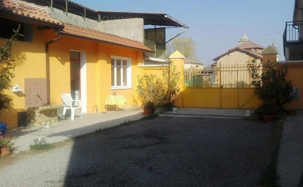 Casa singola, Pieve Del Cairo, ristrutturata