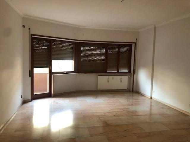 Appartamento in vendita a Roma, 3 locali, zona Zona: 18 . Ardeatino - Grotta Perfetta - Fonte Meravigliosa, prezzo € 545.000   CambioCasa.it