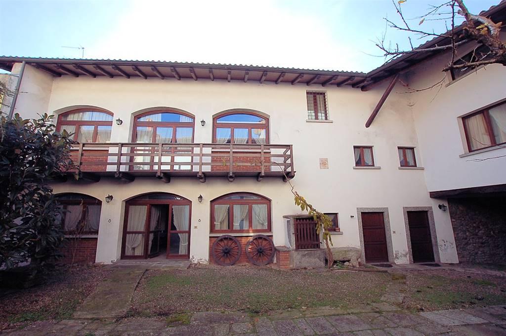 Casa singola in Via Cavour 1, Arona