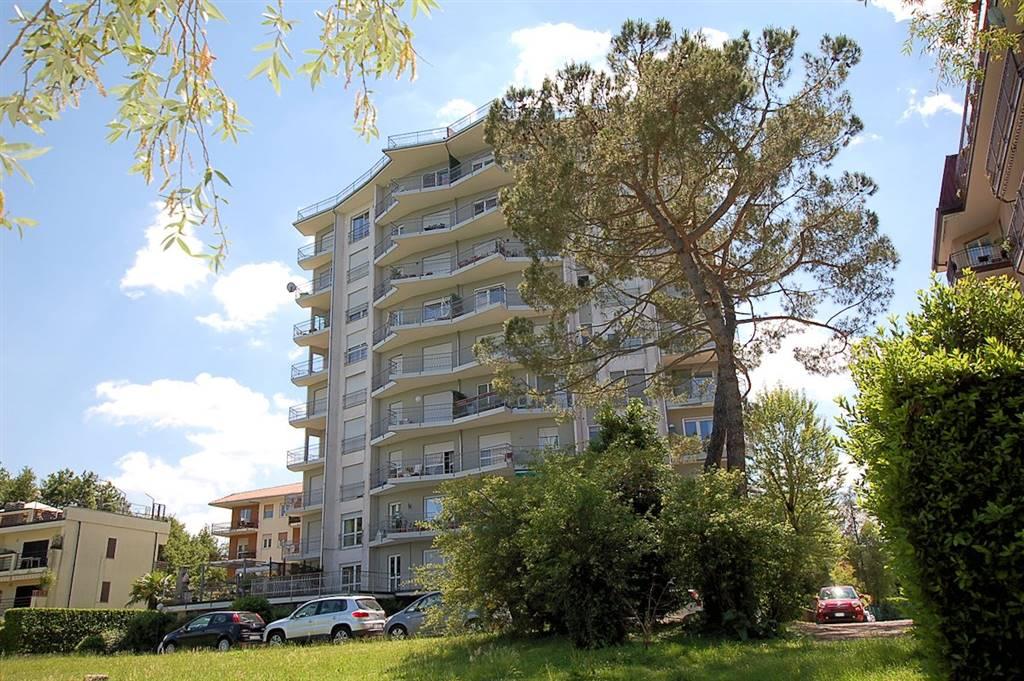 Trilocale in Via Riviera, Arona