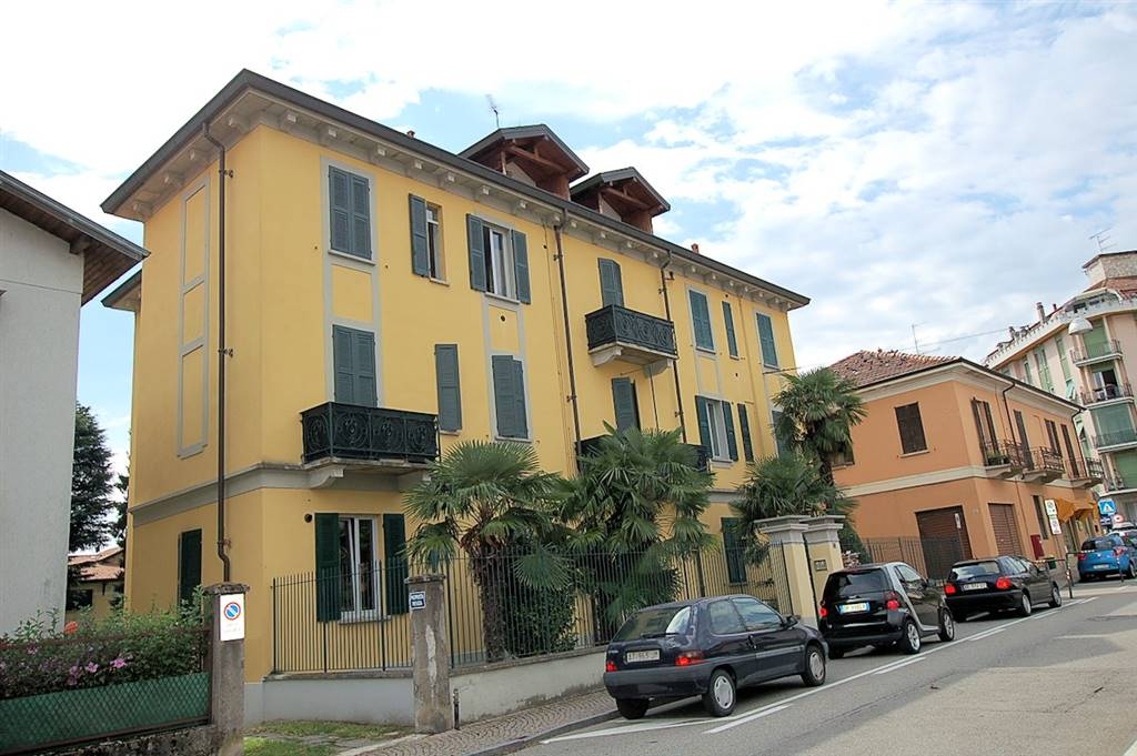 Bilocale in Via Roma 85, Arona