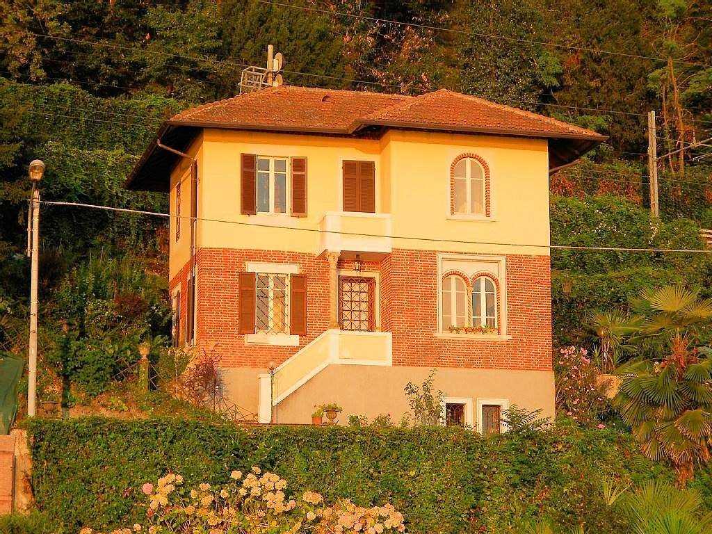 Villa in Via Sempione, Arona