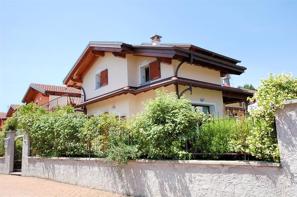 Villa a schiera in Via Crosa 28/c, Arona