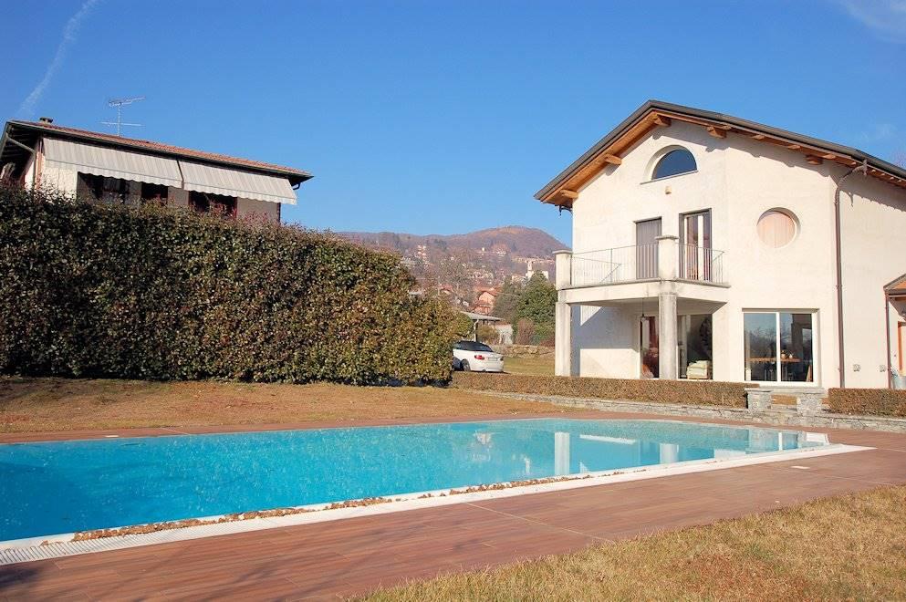 Villa in Via Per Nebbiuno, Meina