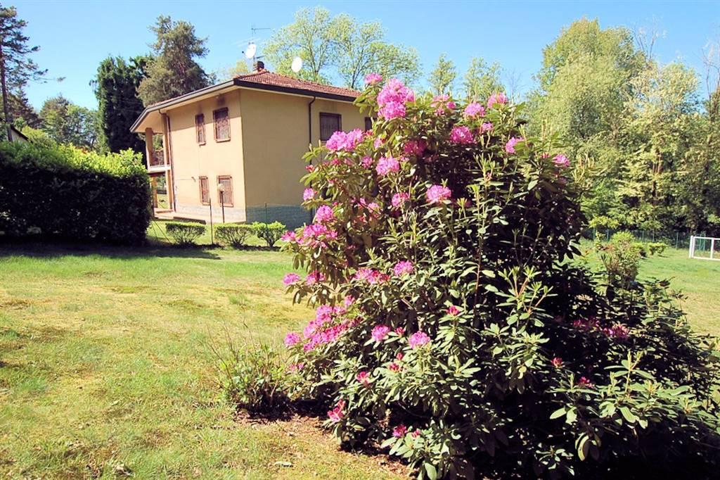 Casa singola in Via La Pinetina 14, Arona