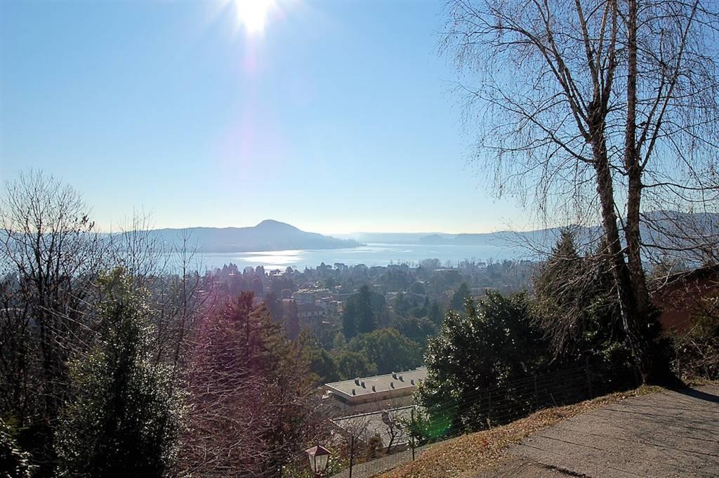 Villa a Schiera in vendita a Lesa, 5 locali, prezzo € 220.000 | PortaleAgenzieImmobiliari.it
