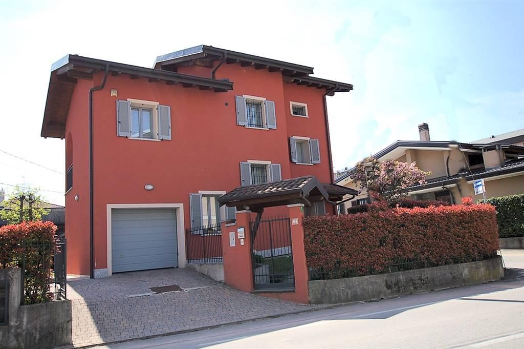 Casa singola in Via Monte Nero, Arona