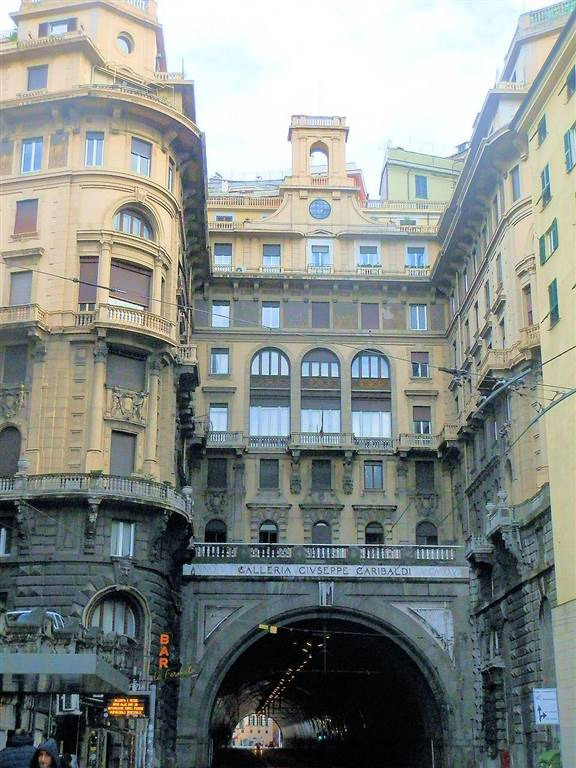 Appartamento in Largo Zecca  8/22, Principe, Genova