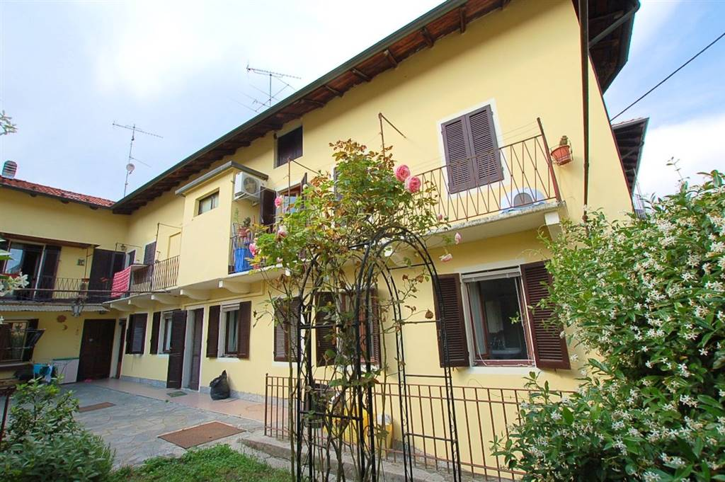 Casa semi indipendente in Via Pozzaccio  3, Mercurago, Arona
