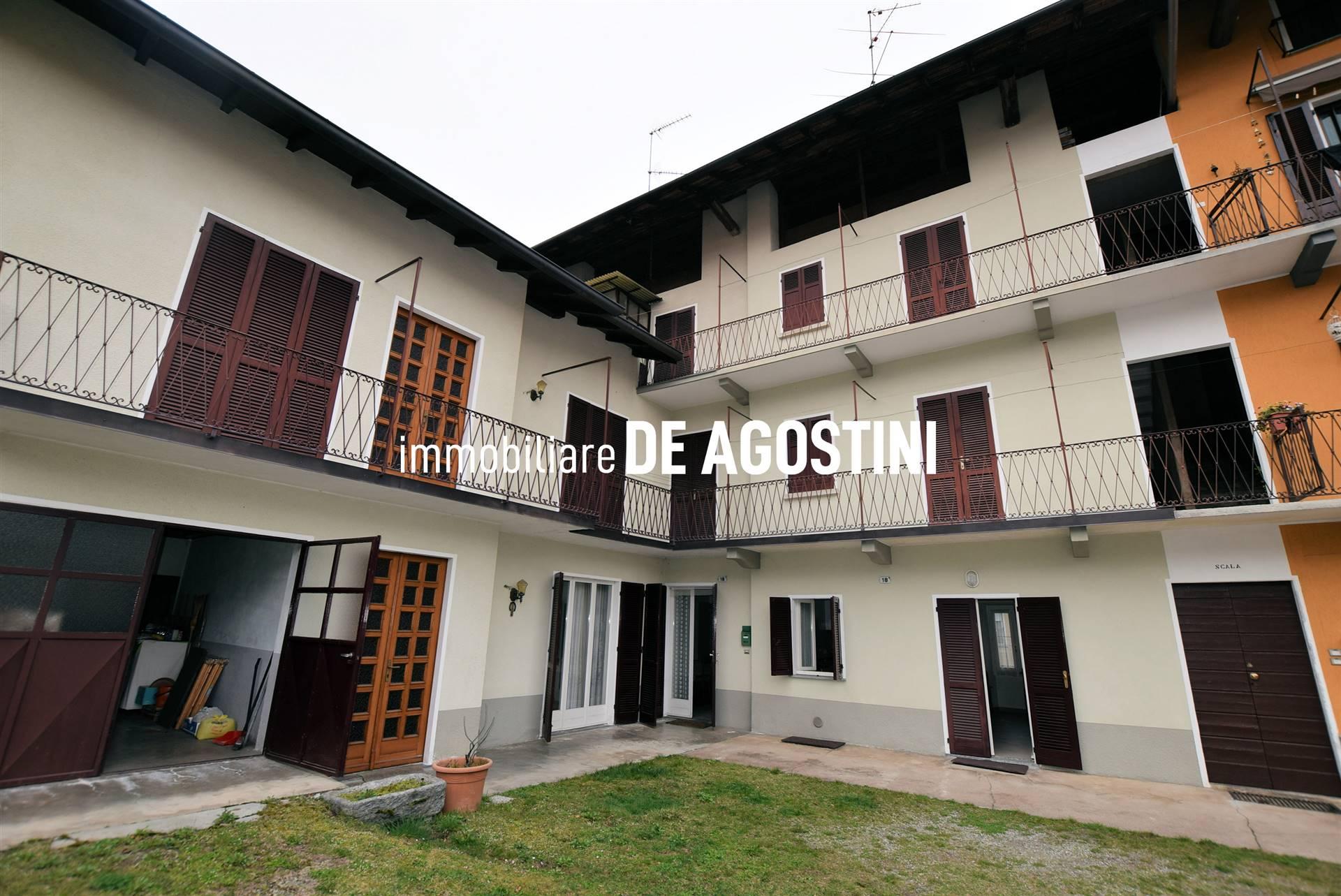 Soluzione Semindipendente in vendita a Invorio, 10 locali, prezzo € 220.000   PortaleAgenzieImmobiliari.it