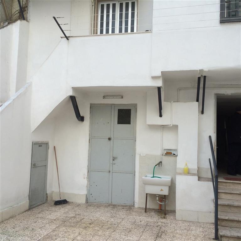 Soluzione Semindipendente in vendita a Bari, 2 locali, zona Zona: Libertà, prezzo € 90.000 | CambioCasa.it
