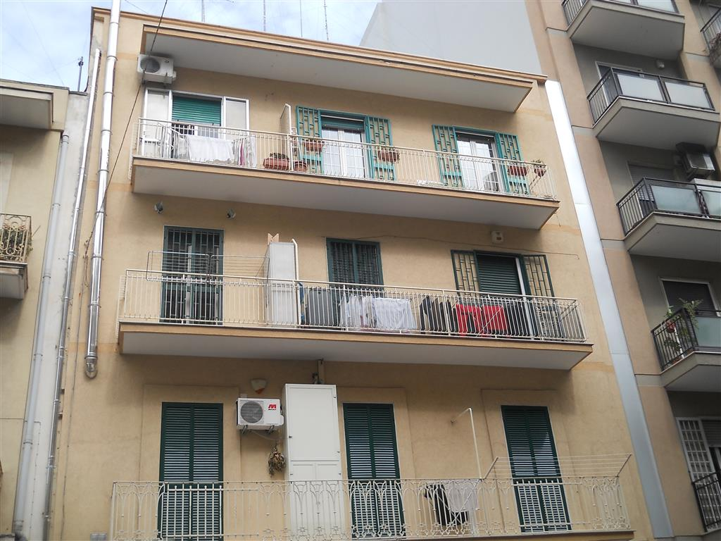 Appartamento in vendita a Bari, 2 locali, zona Zona: Libertà, prezzo € 105.000 | CambioCasa.it