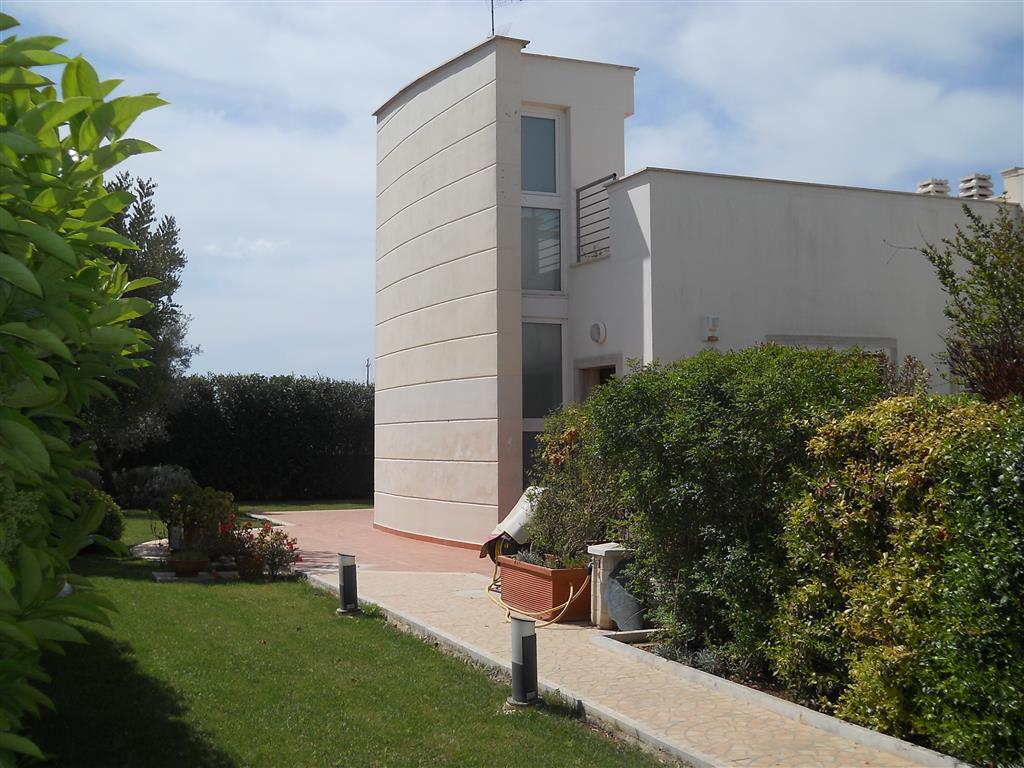 Villa a schiera, Torre a Mare, Bari, seminuova