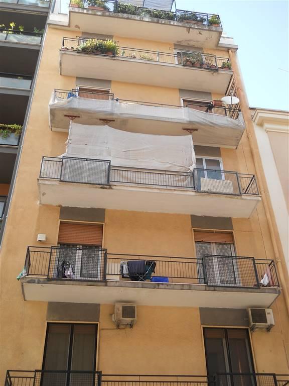 Trilocale in Carulli 72, Madonnella, Bari