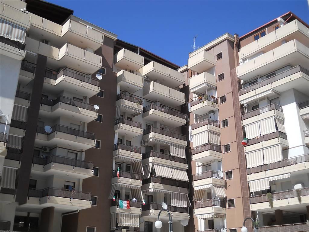 Trilocale, S. Girolamo - Fesca, Bari, in ottime condizioni