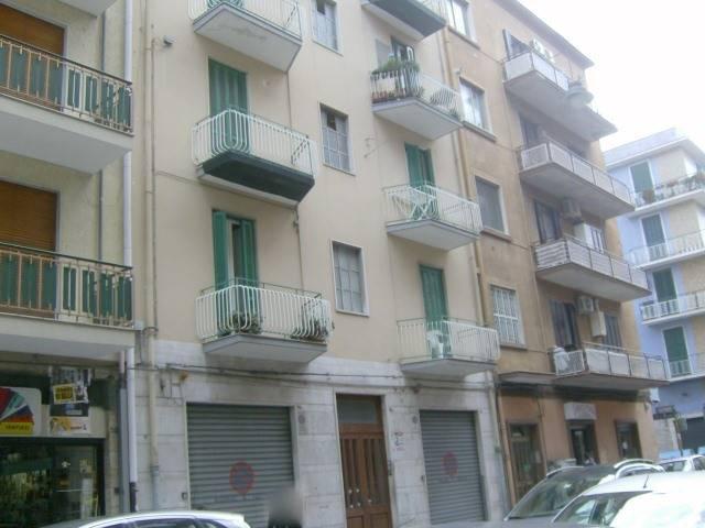 Trilocale in Indipendenza 52g, Libertà, Bari