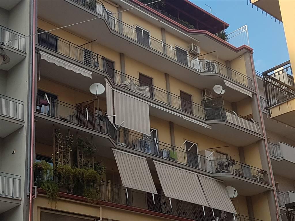 Appartamento in vendita a Bari, 5 locali, zona Zona: Libertà, prezzo € 198.000 | CambioCasa.it