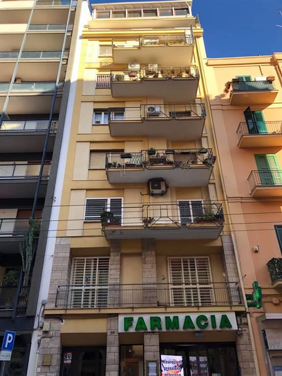 Appartamento in vendita a Bari, 5 locali, zona Zona: Libertà, prezzo € 255.000 | CambioCasa.it