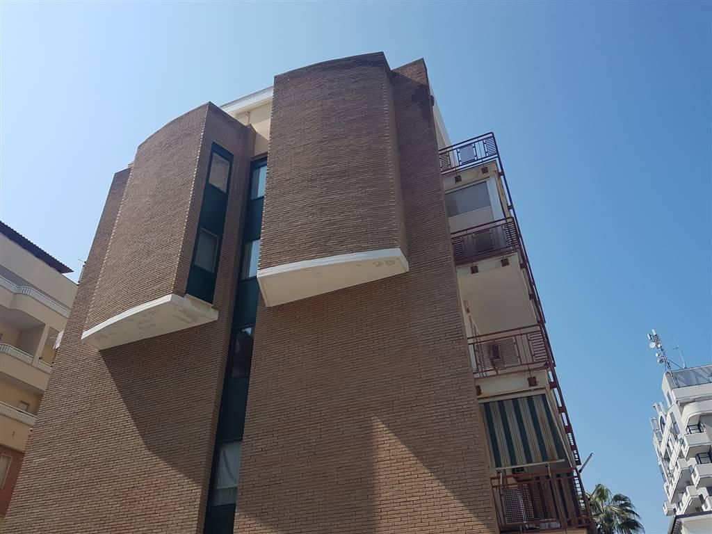 Quadrilocale, S. Girolamo - Fesca, Bari, in ottime condizioni