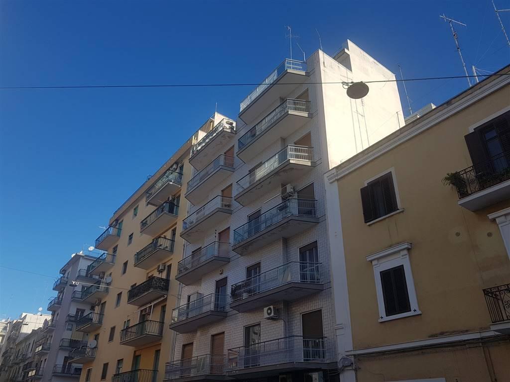 Trilocale, Libertà, Bari