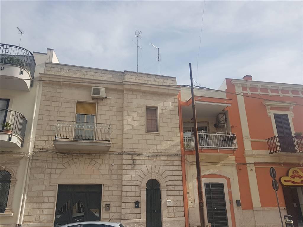 Appartamento in vendita a Cellamare, 5 locali, prezzo € 135.000   CambioCasa.it